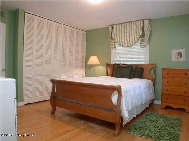 Additional photo for property listing at 1300 Glenbrook Road  Anchorage, Kentucky 40223 United States