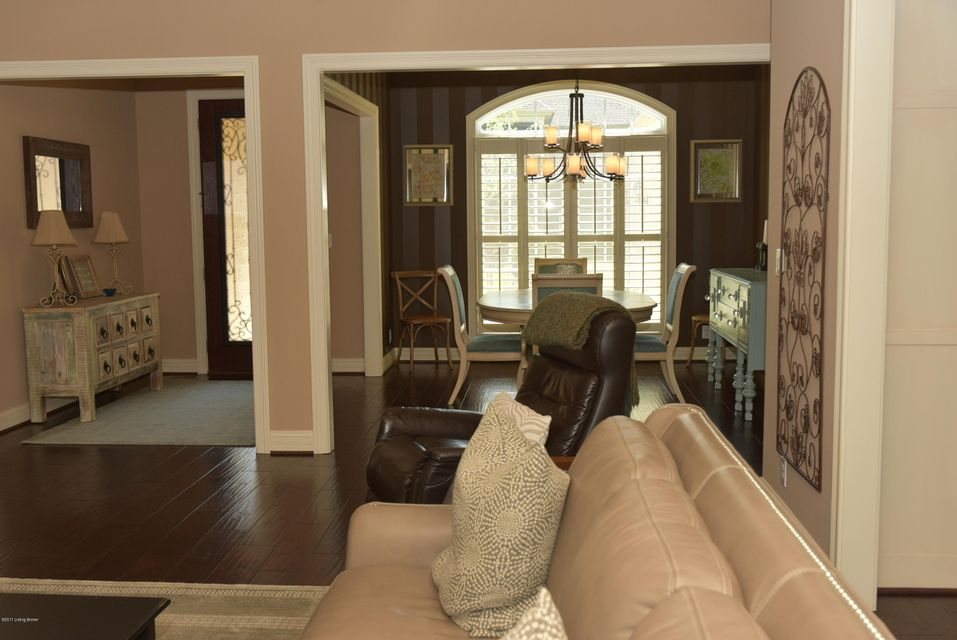 Additional photo for property listing at 204 Queensway Park Place  Louisville, Kentucky 40245 United States
