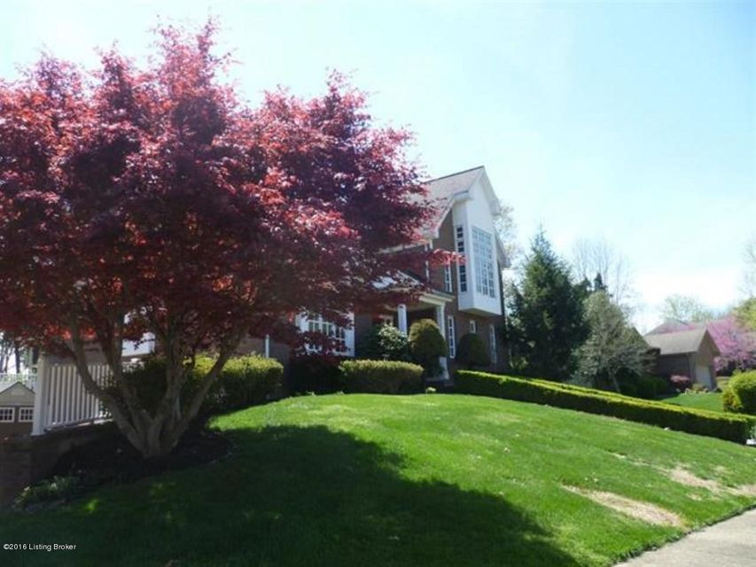 Single Family Home for Sale at 820 Greenview Circle Elizabethtown, Kentucky 42701 United States