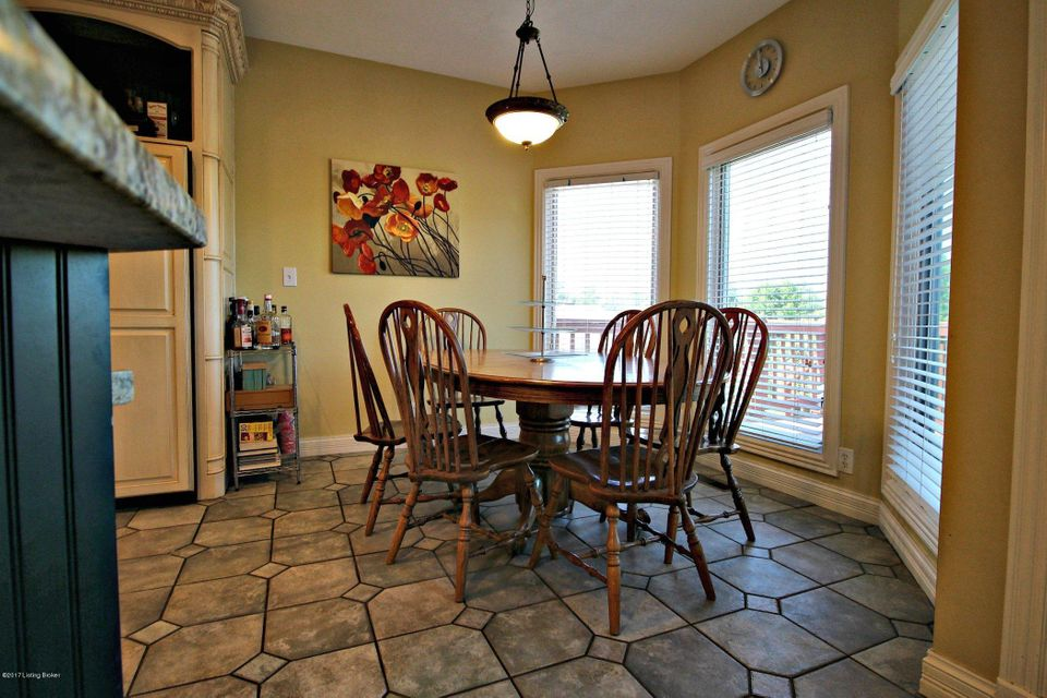 Additional photo for property listing at 283 Hunters Pointe Circle  Simpsonville, Kentucky 40067 United States