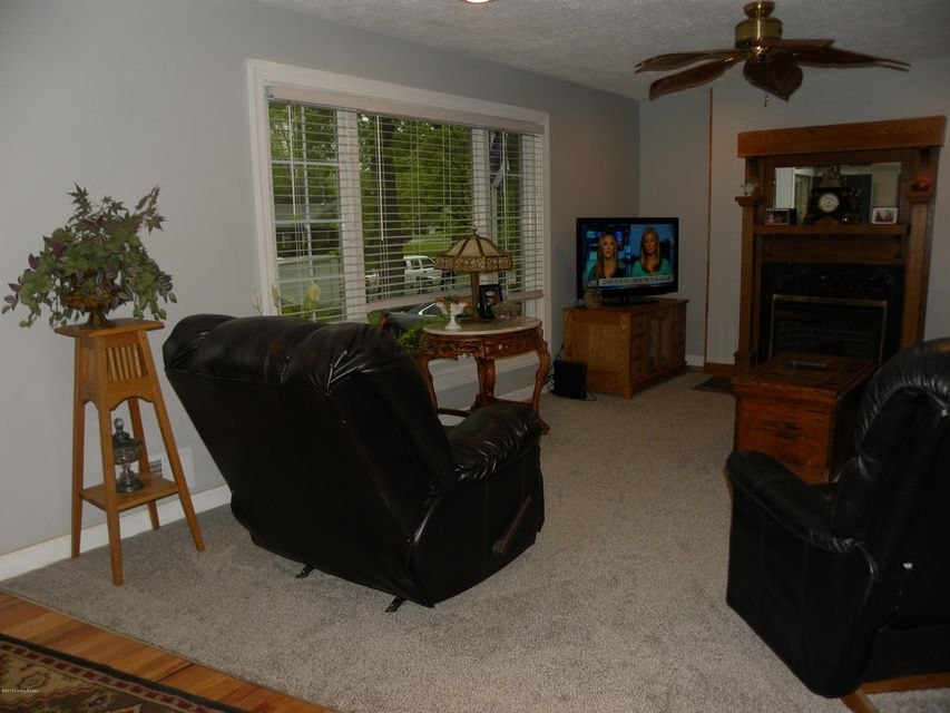 Additional photo for property listing at 4206 Tamm Court  Louisville, Kentucky 40272 United States