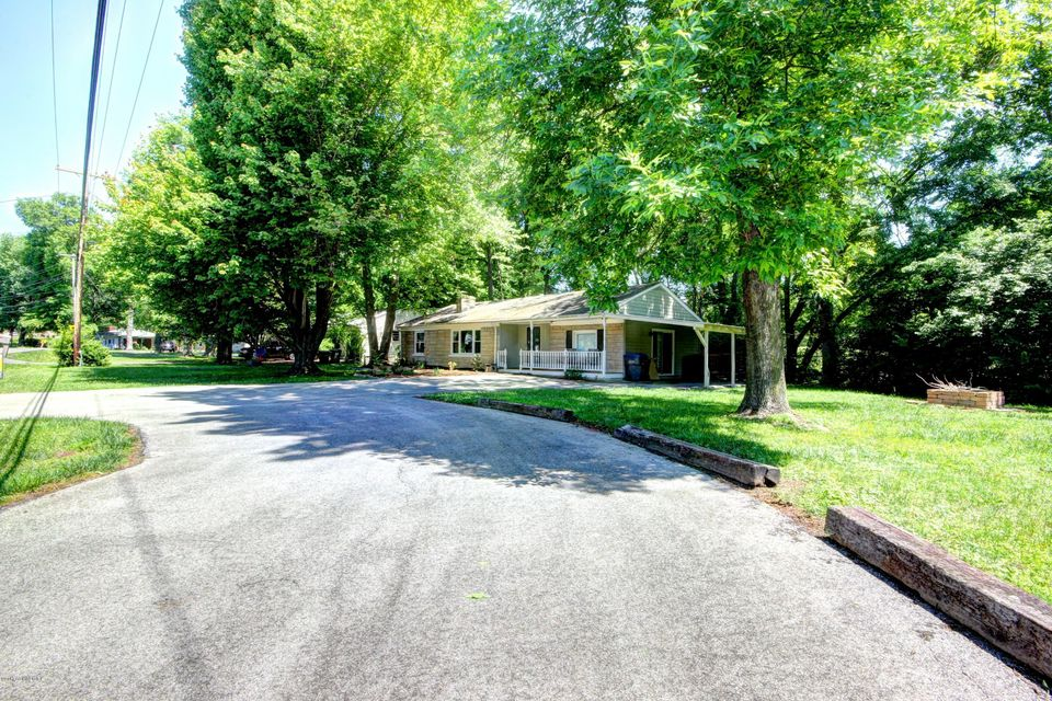 Additional photo for property listing at 4307 E Pages Lane  Louisville, Kentucky 40272 United States