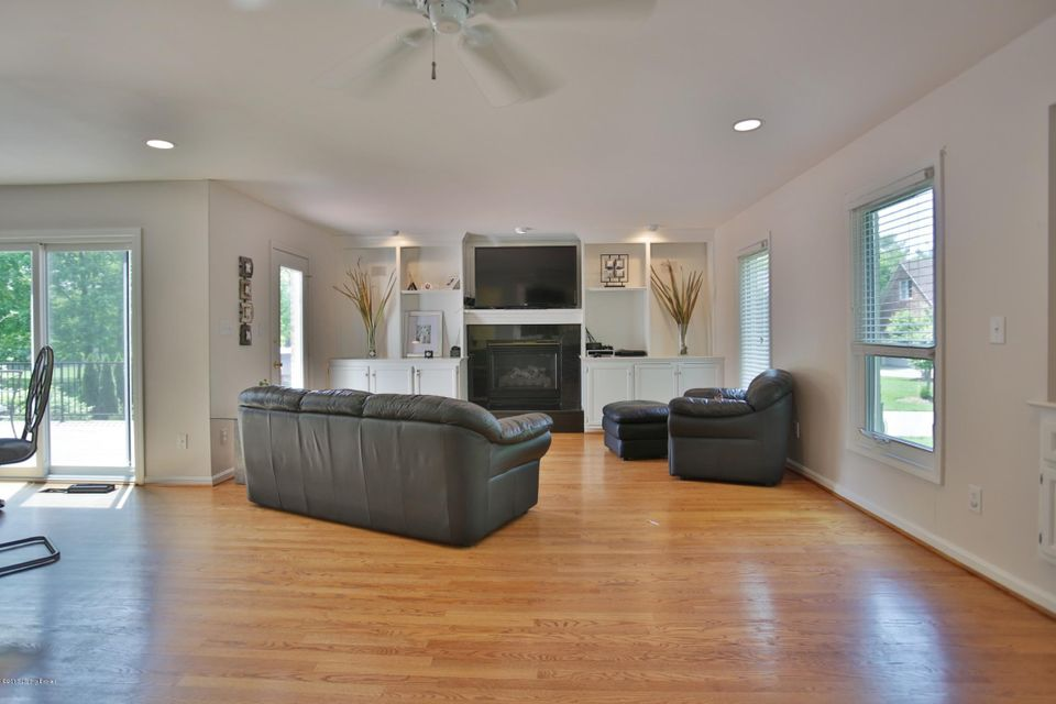 Additional photo for property listing at 1603 Chukkar Cove Court  Louisville, Kentucky 40245 United States