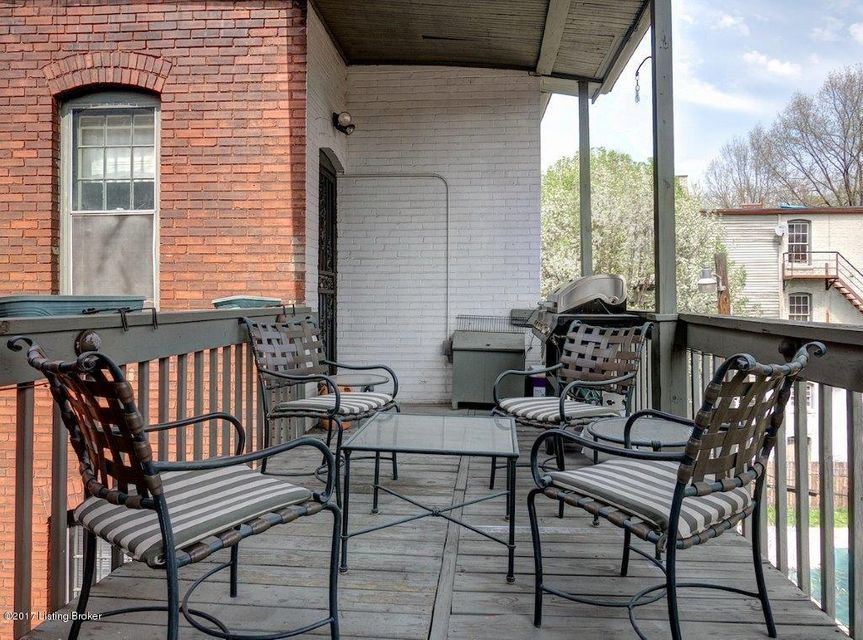 Additional photo for property listing at 1481 Saint James Court  Louisville, Kentucky 40208 United States