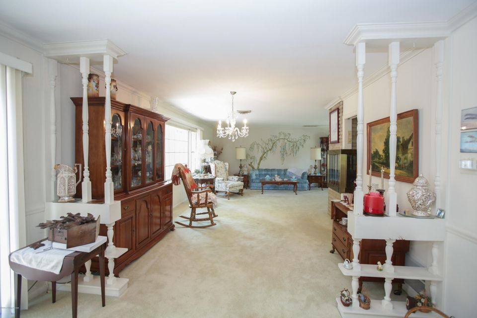 Additional photo for property listing at 3214 Seneca Park Road  Louisville, Kentucky 40207 United States