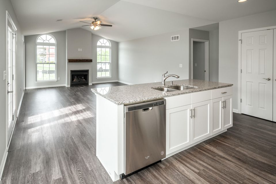 Additional photo for property listing at 5215 Valkyrie Way  Louisville, Kentucky 40272 United States
