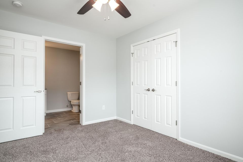 Additional photo for property listing at 5215 Valkyrie Way 5215 Valkyrie Way Louisville, Kentucky 40272 United States