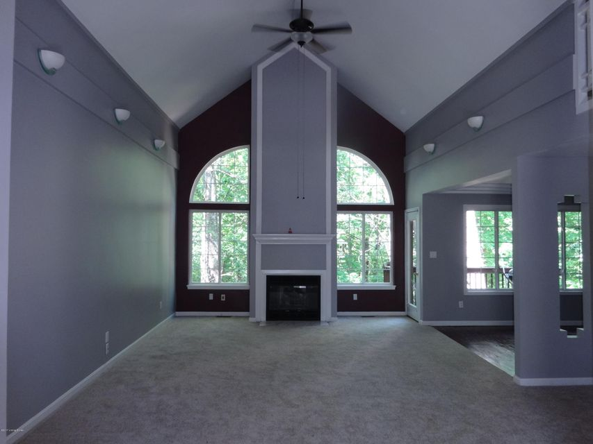 Additional photo for property listing at 8703 Kings Lynn Lane  Louisville, Kentucky 40220 United States