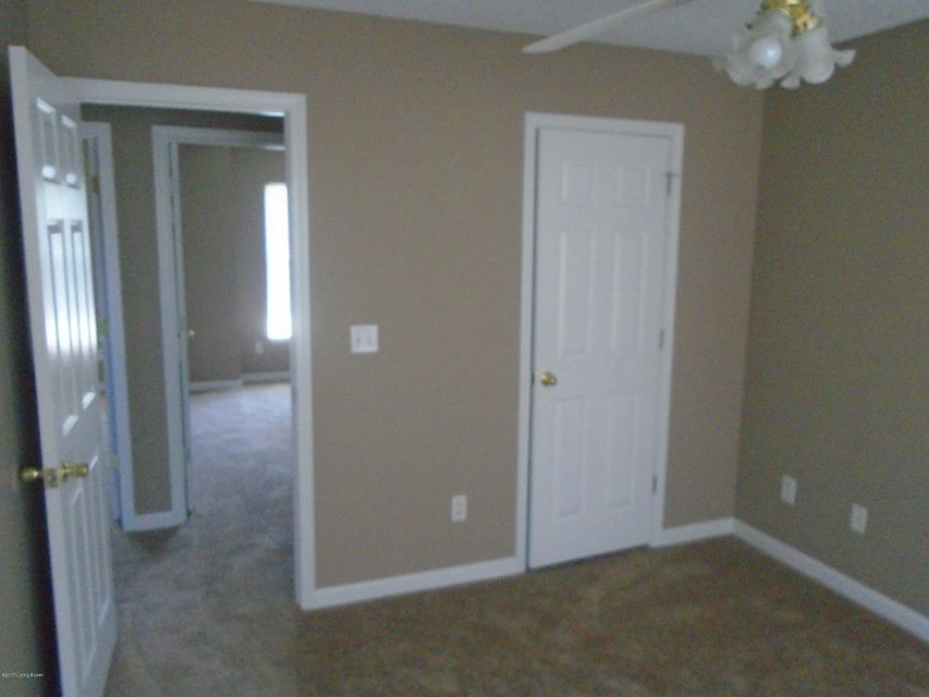Additional photo for property listing at 12108 Eastbay Court  Louisville, Kentucky 40245 United States