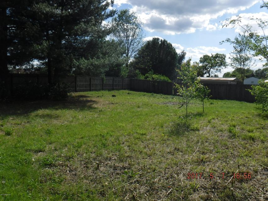 Additional photo for property listing at 7697 E Highyway 44 East  Mount Washington, Kentucky 40047 United States