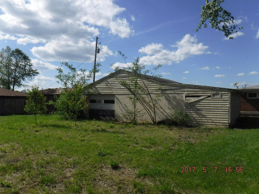Additional photo for property listing at 7697 E Highway 44  Mount Washington, Kentucky 40047 United States