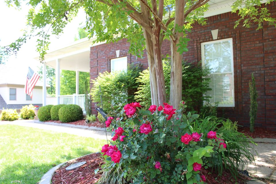 Single Family Home for Sale at 3406 Gatecreek Road Louisville, Kentucky 40272 United States