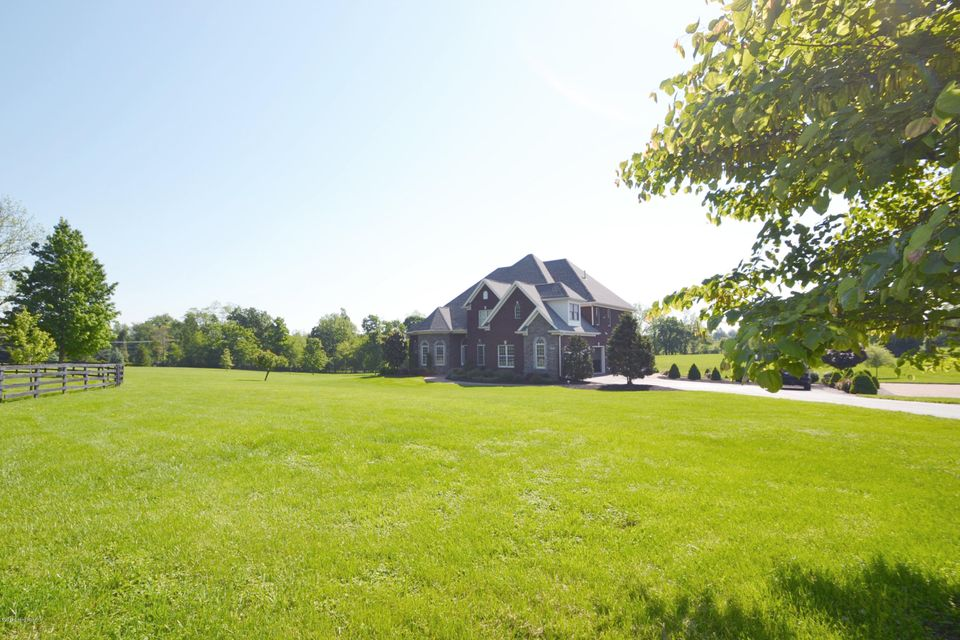 Single Family Home for Sale at 3307 Skylight Manor 3307 Skylight Manor Goshen, Kentucky 40026 United States