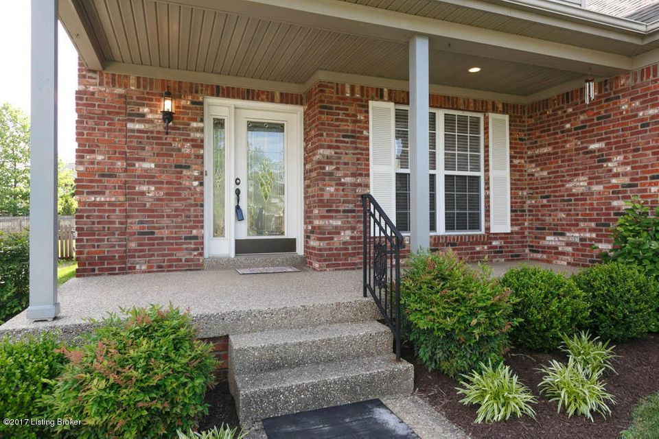Additional photo for property listing at 4317 Meadowbend Way  Louisville, Kentucky 40218 United States
