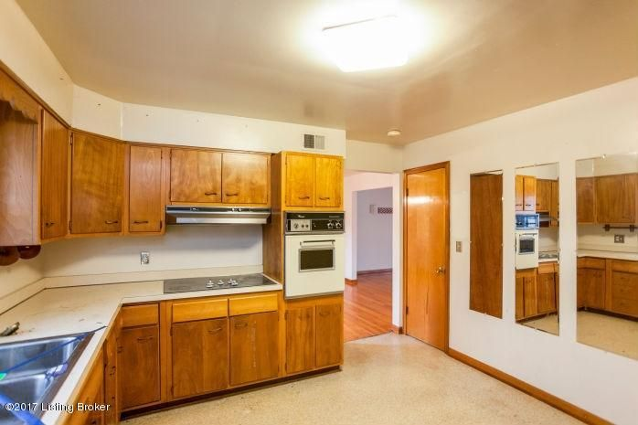 Additional photo for property listing at 4422 Southridge Drive  Louisville, Kentucky 40272 United States
