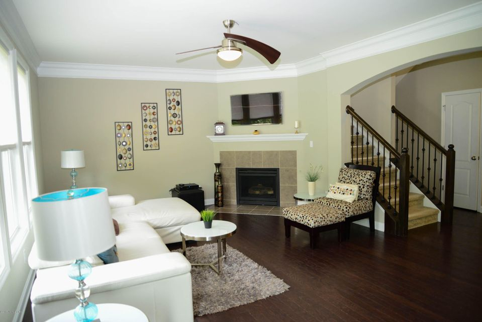Additional photo for property listing at 1109 Crossings Cove Court  Louisville, Kentucky 40245 United States