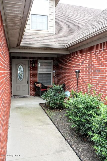 Single Family Home for Sale at 144 Twin Lakes Drive Vine Grove, Kentucky 40175 United States