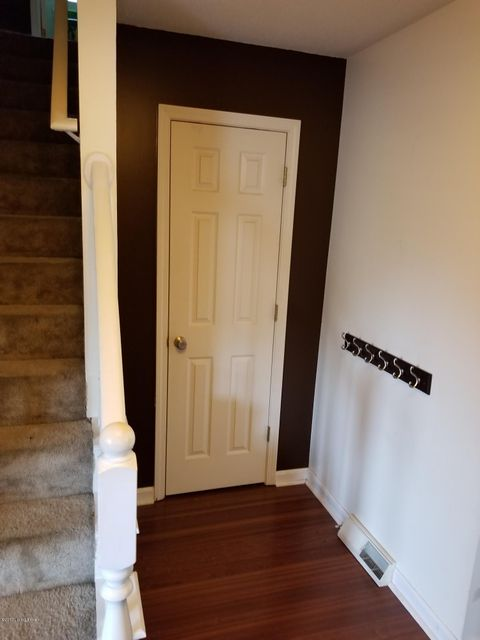 Additional photo for property listing at 102 Tiverton Way  Elizabethtown, Kentucky 42701 United States