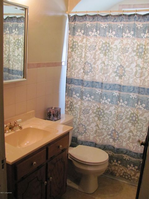 Additional photo for property listing at 855 Melford Avenue  Louisville, Kentucky 40217 United States