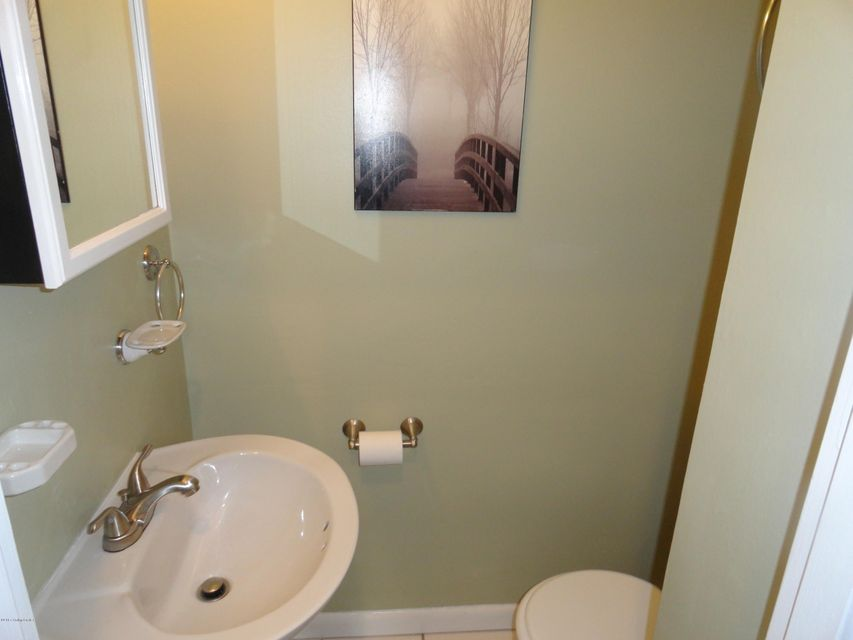 Additional photo for property listing at 1913 Claremoor Drive  Louisville, Kentucky 40223 United States
