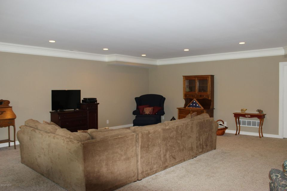 Additional photo for property listing at 10431 Vista Hills Blvd  Louisville, Kentucky 40291 United States