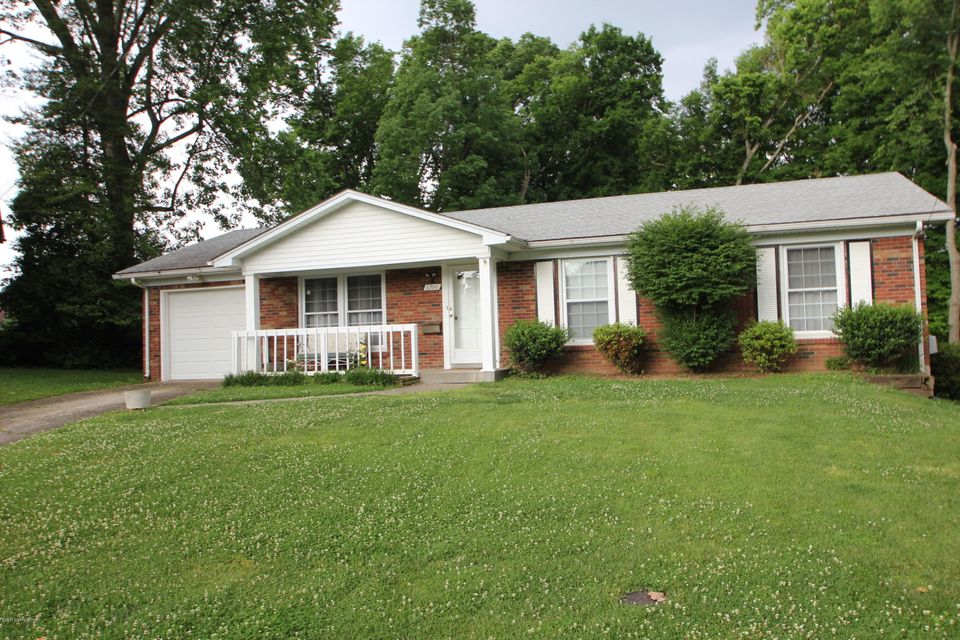 6700 Shareith Dr, Louisville, KY 40228