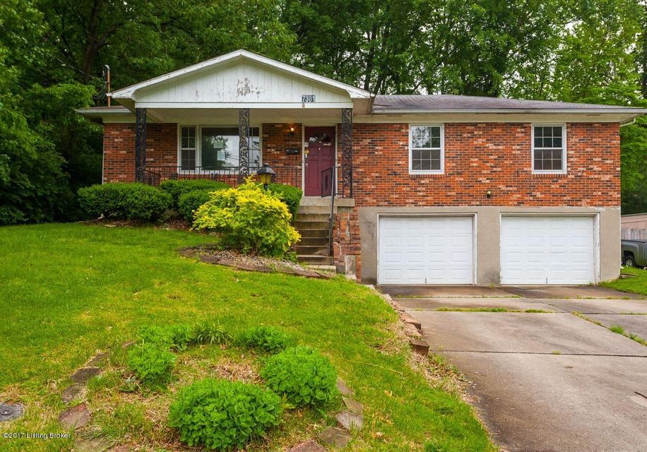 Single Family Home for Sale at 7301 Royalwood Drive Louisville, Kentucky 40214 United States