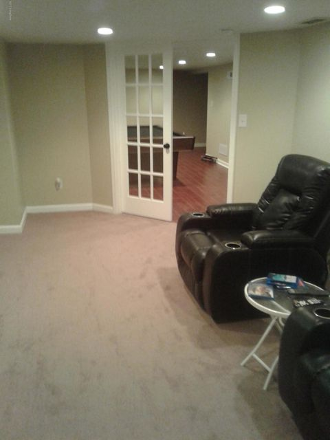 Additional photo for property listing at 4108 Moray Court  Louisville, Kentucky 40216 United States