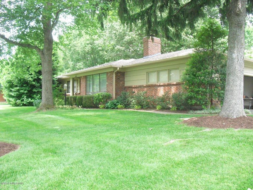 Single Family Home for Sale at 7301 Glen Arbor Road Louisville, Kentucky 40222 United States