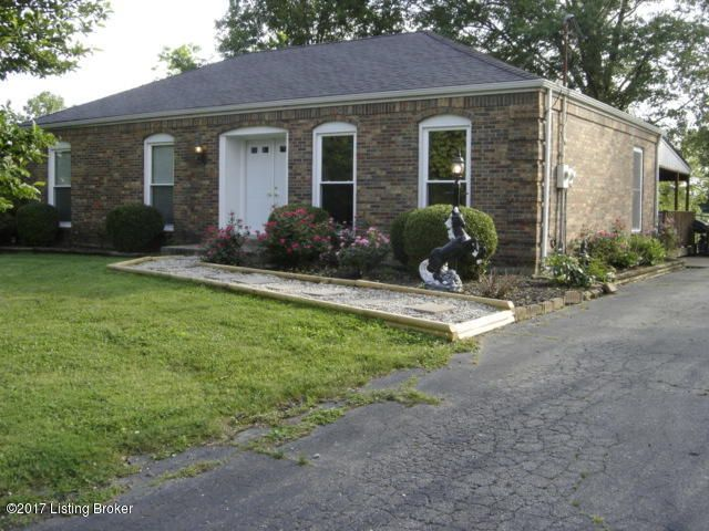 Single Family Home for Sale at 6300 Oaklea Drive Crestwood, Kentucky 40014 United States