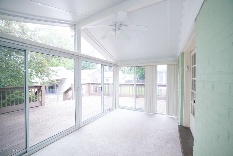 Additional photo for property listing at 3407 Hycliffe Avenue 3407 Hycliffe Avenue Louisville, Kentucky 40207 United States