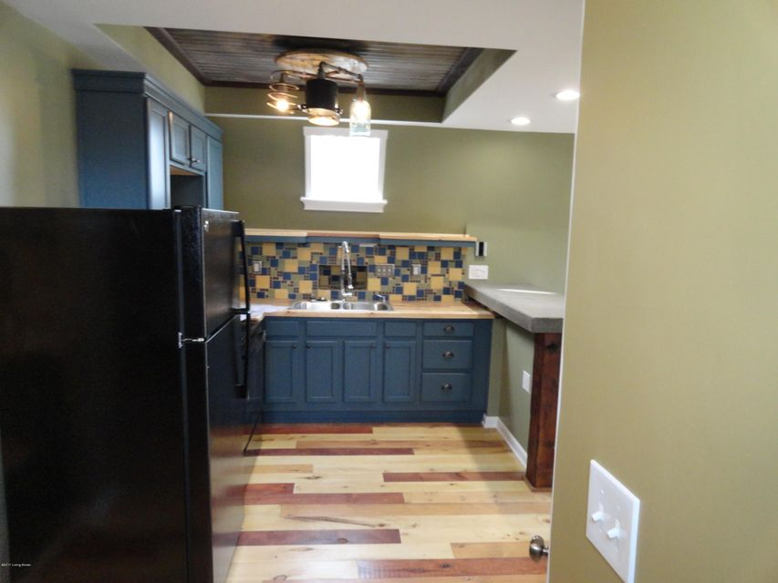 Additional photo for property listing at 1400 Cardinal Drive  Louisville, Kentucky 40213 United States