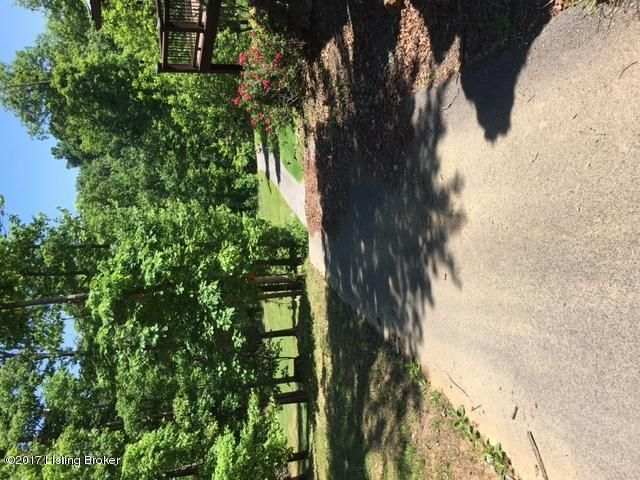 Additional photo for property listing at 1 Ironwood  Bee Spring, Kentucky 42207 United States