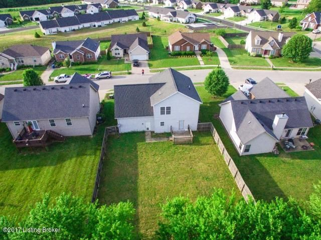 Additional photo for property listing at 3232 Squire Circle  Shelbyville, Kentucky 40065 United States