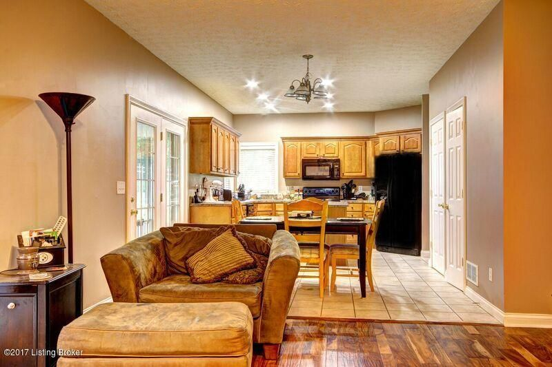 Additional photo for property listing at 796 Floyds Fork Drive  Shepherdsville, Kentucky 40165 United States