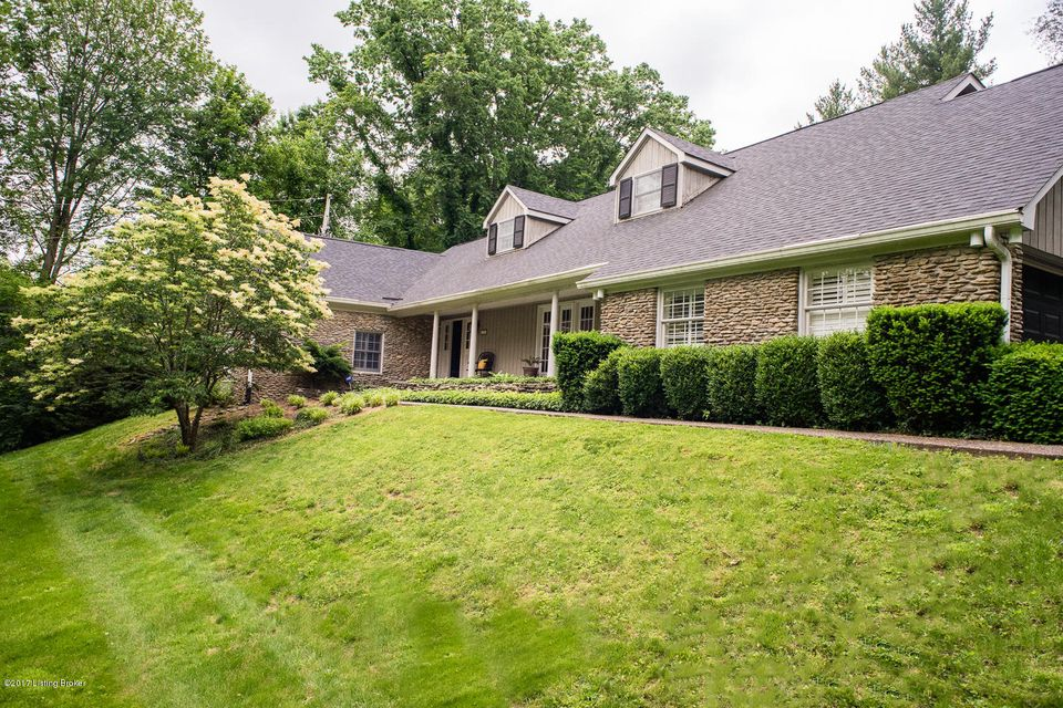 Single Family Home for Sale at 11308 Owl Creek Lane 11308 Owl Creek Lane Anchorage, Kentucky 40223 United States