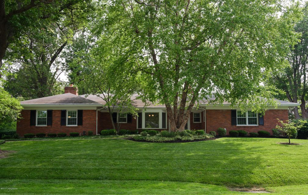 Single Family Home for Sale at 2218 Wynnewood Circle Louisville, Kentucky 40222 United States