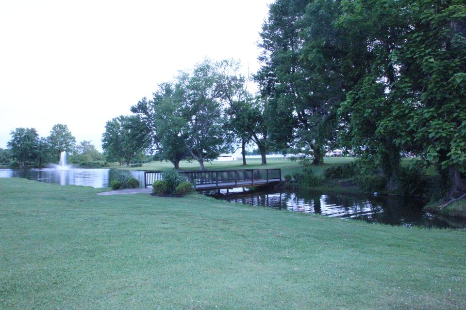 Additional photo for property listing at 7015 Woodhaven Road  Louisville, Kentucky 40291 United States
