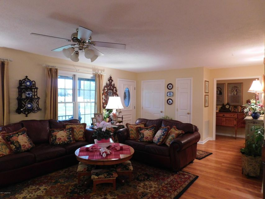 Additional photo for property listing at 287 Twin Cove Road  Clarkson, Kentucky 42726 United States