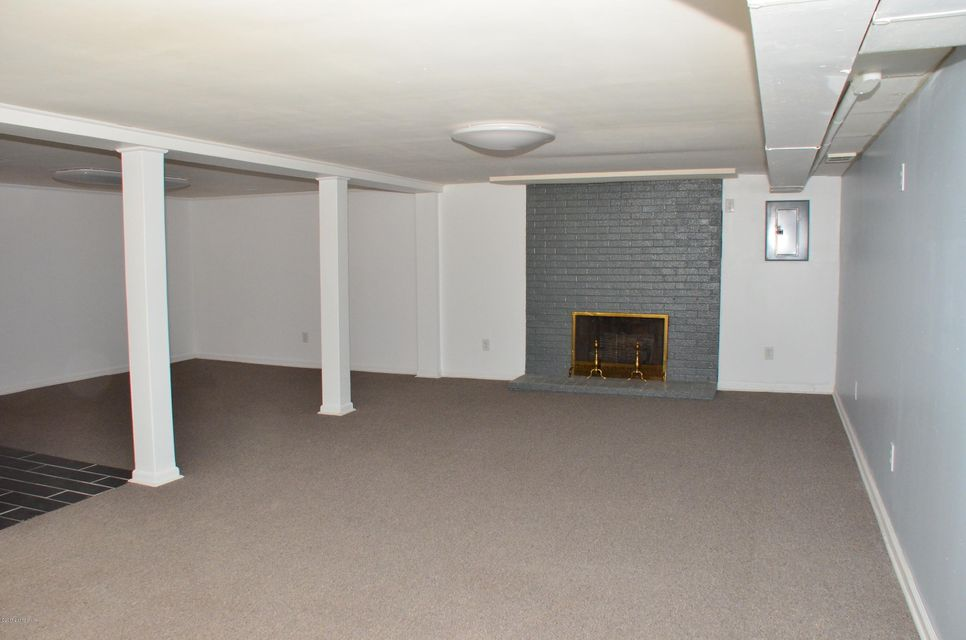Additional photo for property listing at 5101 Christie Avenue  Louisville, Kentucky 40216 United States