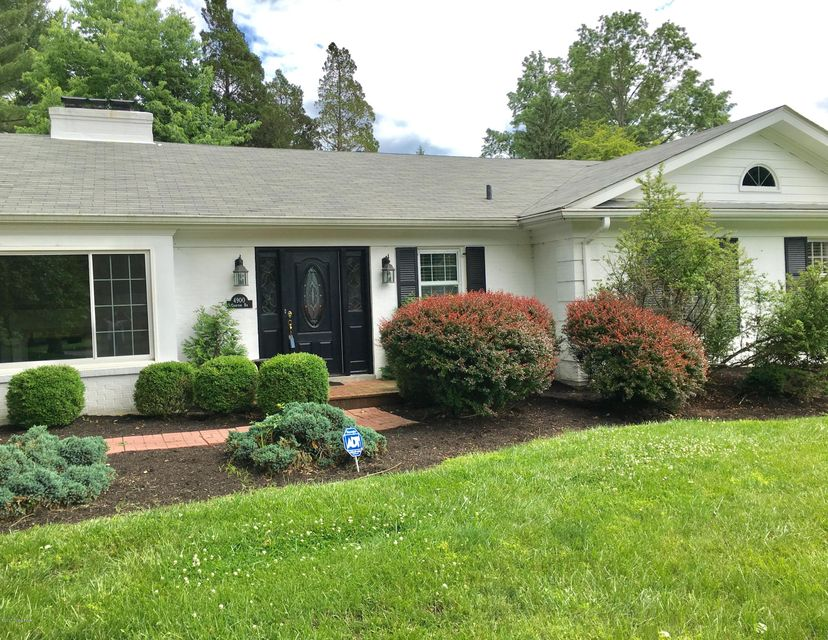 Single Family Home for Sale at 4900 Crofton Road Louisville, Kentucky 40207 United States