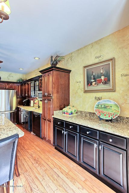 Additional photo for property listing at 16121 Plum Creek Trail  Louisville, Kentucky 40299 United States