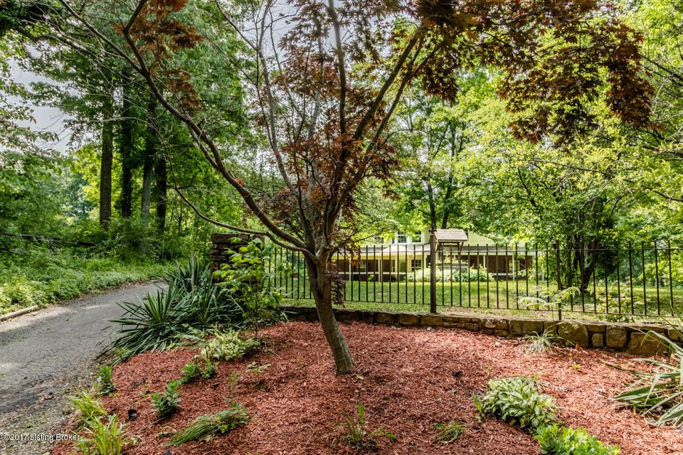 Additional photo for property listing at 424 Reader Lane  Shepherdsville, Kentucky 40165 United States