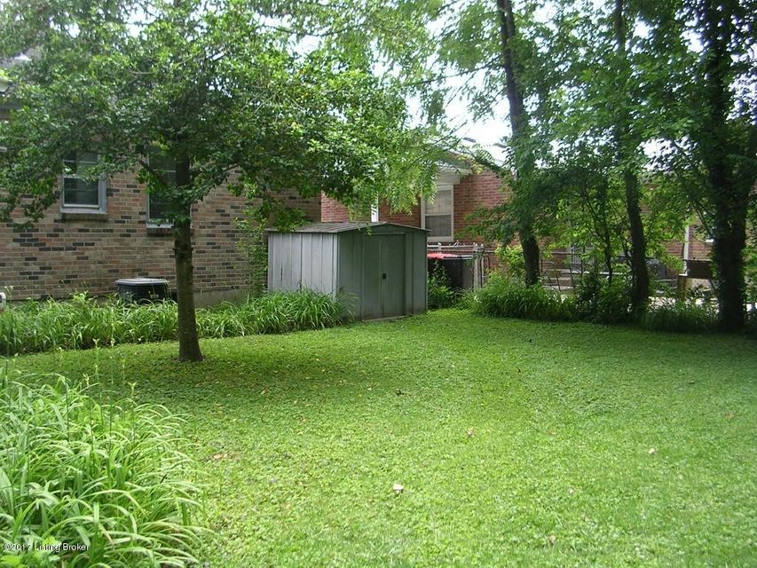 Additional photo for property listing at 3101 Cabinwood Drive  Louisville, Kentucky 40220 United States