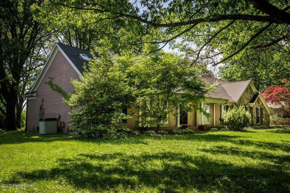 Additional photo for property listing at 3118 Collins Lane  Louisville, Kentucky 40241 United States