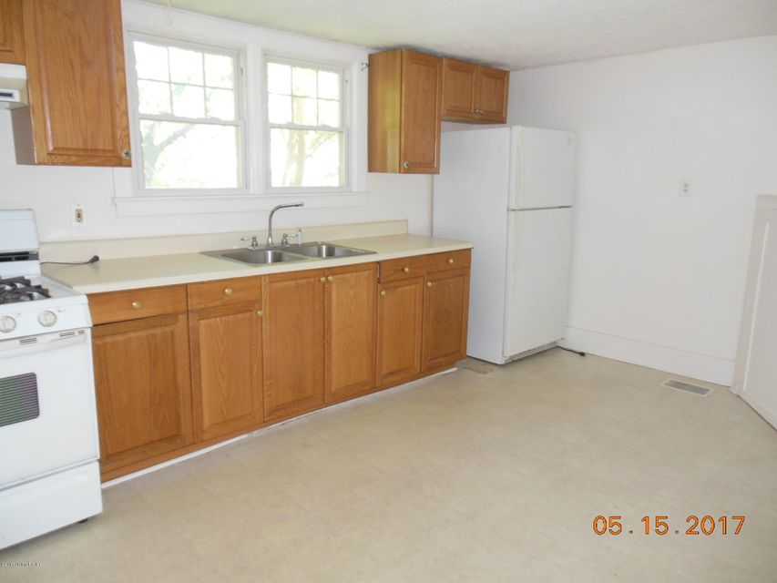Additional photo for property listing at 641 Merwin Avenue  Louisville, Kentucky 40217 United States