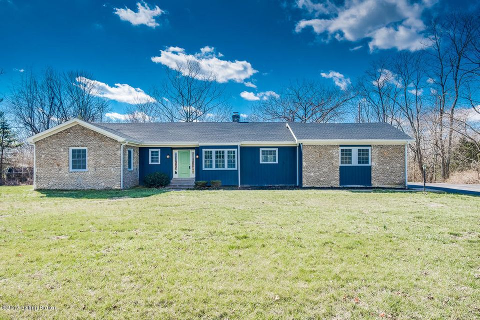 Single Family Home for Sale at 1822 W Moody Lane La Grange, Kentucky 40031 United States