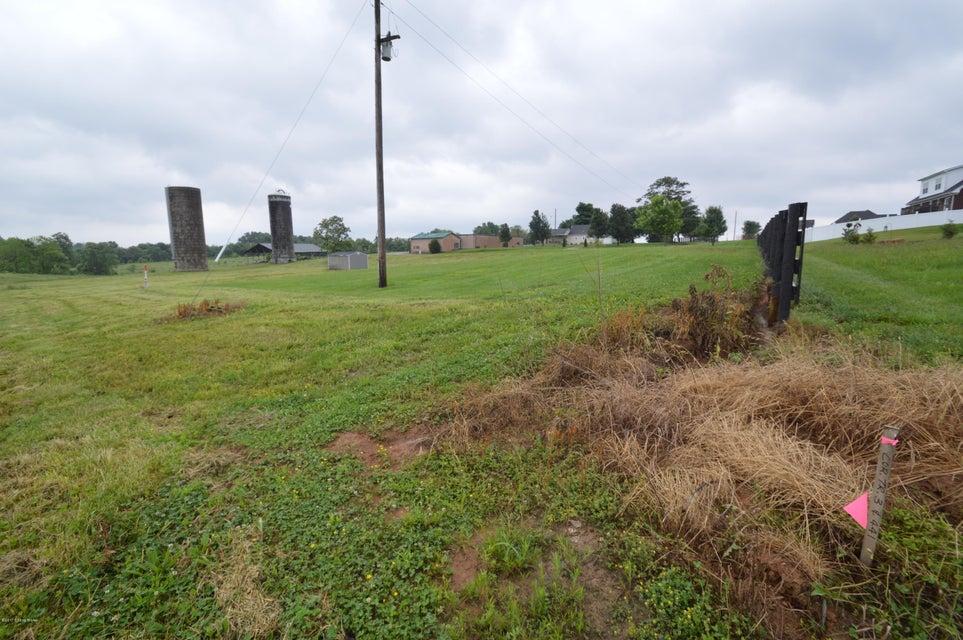 Additional photo for property listing at 155 Oakwood Way 155 Oakwood Way Shepherdsville, Kentucky 40165 United States