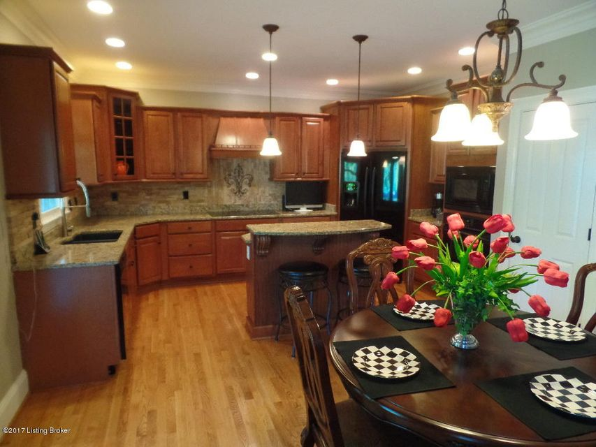 Additional photo for property listing at 4611 Crossfield Circle  Louisville, Kentucky 40241 United States