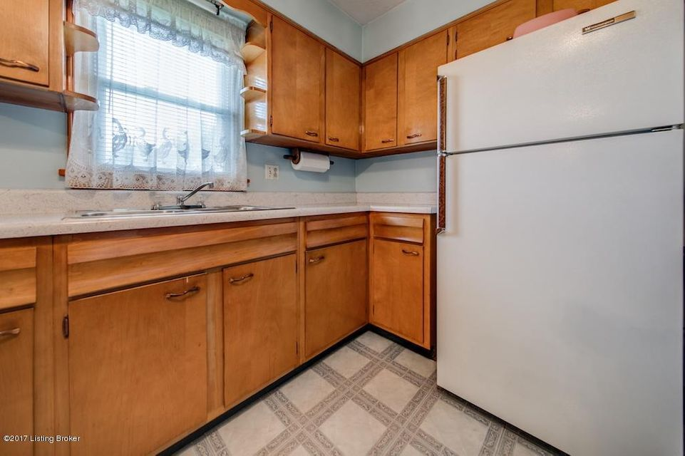 Additional photo for property listing at 6603 Gabriel Drive  Louisville, Kentucky 40258 United States